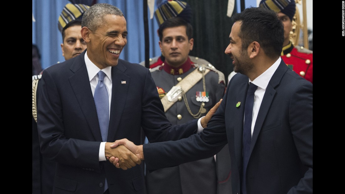 Obama greets actor Kal Penn at a receiving line before a state dinner at Rashtrapati Bhawan, the presidential palace in New Delhi, on Sunday, January 25.