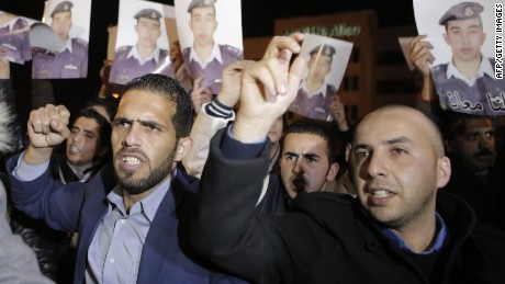 Jordan rallies around captured pilot
