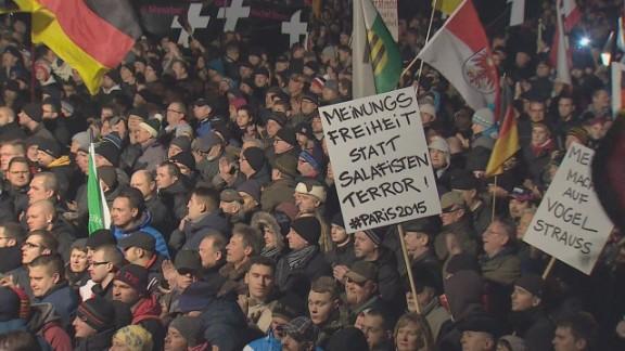 pkg black germany dresden rally against islam_00000902.jpg