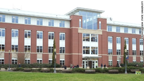 Porn filmed in Oregon State University library - CNN