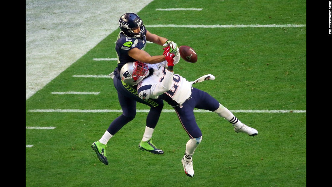 New England cornerback Logan Ryan, right, defends a pass intended for Kearse during the second quarter.