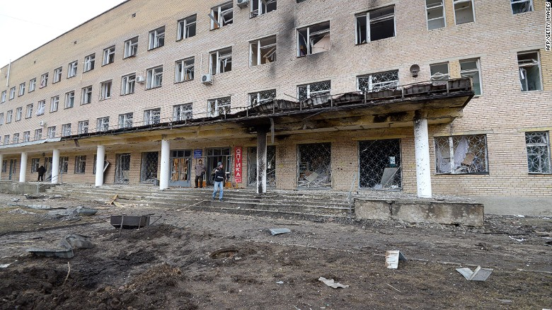 Shelling kills at least 5 at hospital in Ukraine