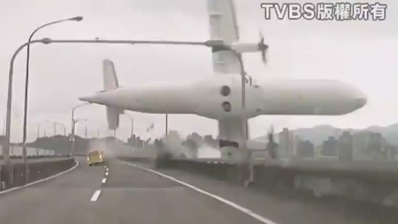 lead dnt johns plane crash taiwan_00001007.jpg