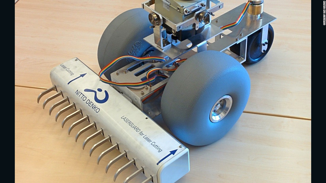 The prongs on the rake can be controlled individually, allowing the lines the BeachBot draws to vary from two inches to 15 inches.