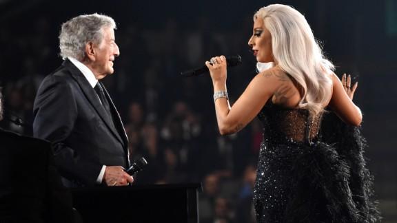 Tony Bennett and Lady Gaga sing Irving Berlin