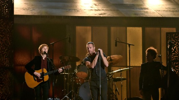Chris Martin joins Beck for a performance of Beck