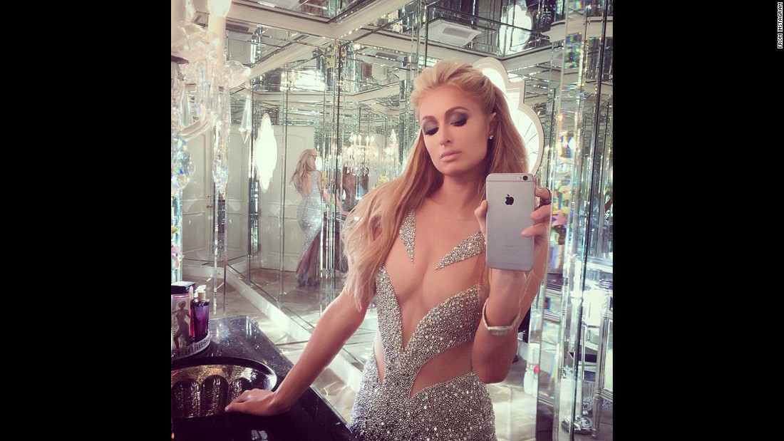 Paris Hilton takes a photo of one of her favorite people.