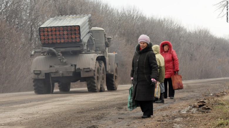 'Old-fashioned' war unfolds in Ukraine