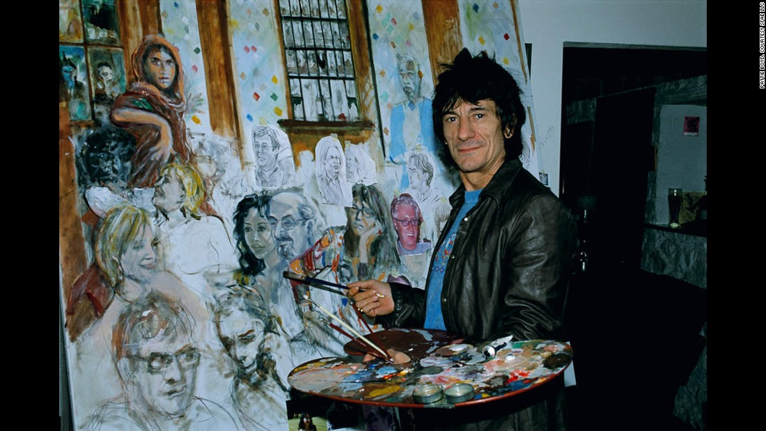 In 2003, Ronnie Wood was commissioned by Lord Andrew Lloyd Webber to paint a mural celebrating his legendary London restaurant, The Ivy. It featured more than 60 famous regulars dining at the high-profile establishment and was hung at the Theatre Royal, Drury Lane in London.