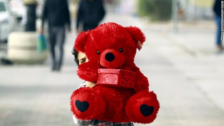 Couple Getting Divorced On Valentineu0027s Day | CNN Travel