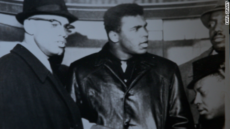 Photographer Earl Grant captures Malcolm X with boxer Muhammad Ali