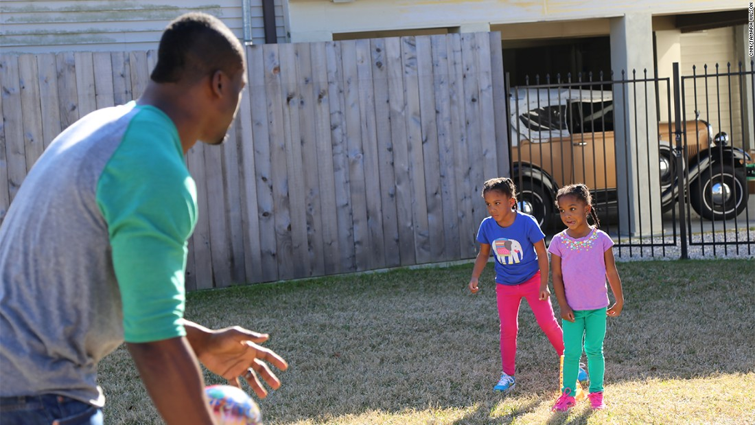 Benjamin Watson outside playing with his daughters Grace and Naomi (Feb. 5, 2015).