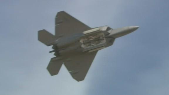 orig.f-22.raptor.refueling.isis_00001129.jpg