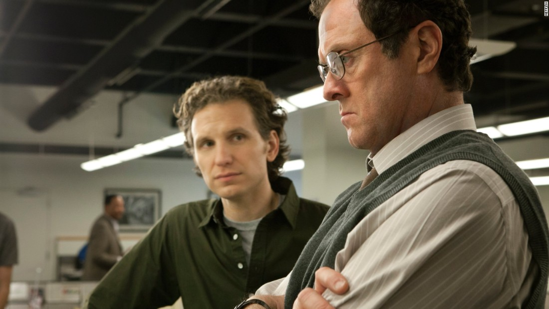 Journalists Lucas Goodwin (Sebastian Arcelus), left, and Tom Hammerschmidt (Boris McGiver), were former colleagues of Zoe Barnes at the fictional Washington Herald. After trying to link Frank Underwood to Zoe's death Lucas was set up in an FBI sting operation and sent to prison. Tom then agreed to investigate Lucas' claims but was stonewalled by the Underwoods.