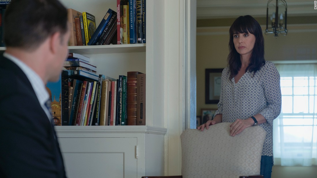 Janine Skorsky (Constance Zimmer) began Season 2 as a cynical reporter and colleague of Zoe Barnes. But she got spooked by Frank's ruthless behavior and fled Washington for upstate New York, where she rebuffed efforts by Louis to recruit her help in bringing down the Underwoods.