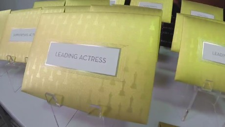 Oscars envelope production orig_00015401.jpg