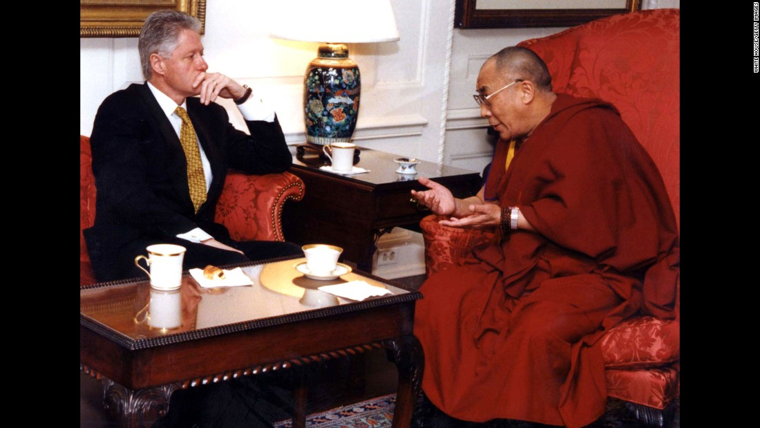 "<a href=""https://www.cnn.com/2013/02/01/us/bill-clinton-fast-facts/index.html"">US President Bill Clinton </a>meets with the Dalai Lama at the White House in 1998. The Dalai Lama requested assistance in opening official negotiations with China regarding the future of Tibet."