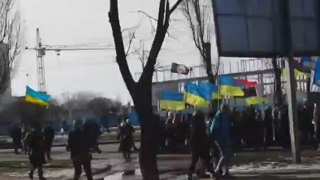 Bomb explodes during pro-Ukrainian rally