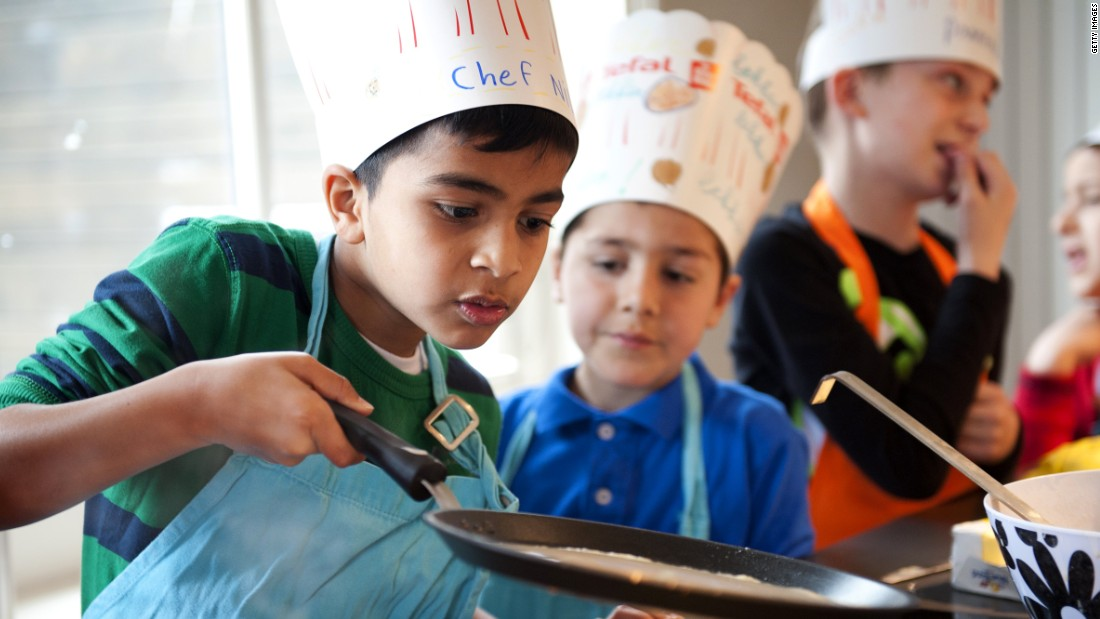 15 Reasons Why Cooking with Kids is Important - Mamiverse