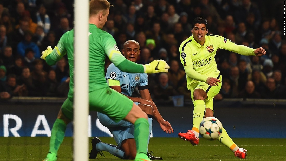 It's advantage Barcelona in its tie against Manchester City in the round of 16 thanks to Luis Suarez. Suarez scored both goals in a 2-1 win in Manchester, including the opener in the 16th minute.