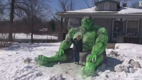 dnt il incredible hulk snow sculpture_00000013