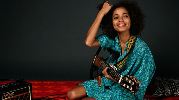 Nigeria's soul superstar Nneka combines reggae and afrobeat in her music, while her lyrics tackle politics, love and forgiveness.