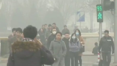 qmb.tank.chinese.pollution.goes.viral_00012922