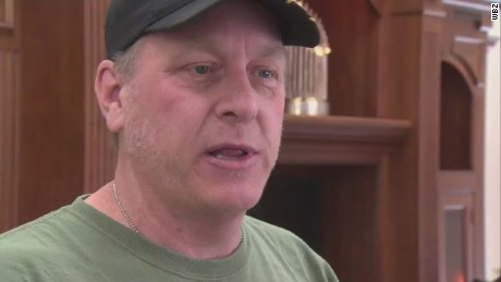 pkg curt schilling tracks down cyberbullying _00011226