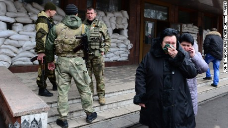 Ukraine: Separatists blocking mine rescuers