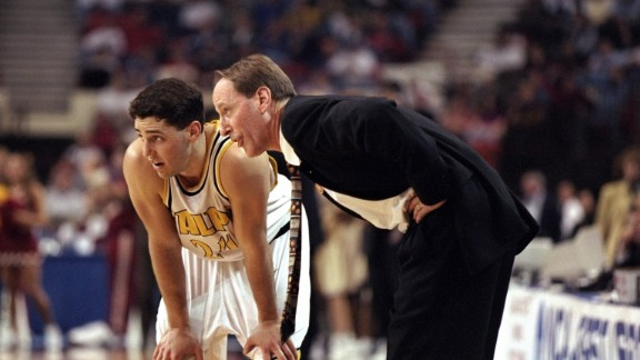 Bryce Drew made his mark in the 1998 NCAA Tournament  playing for Valparaiso University, with his father Homer Drew coaching.