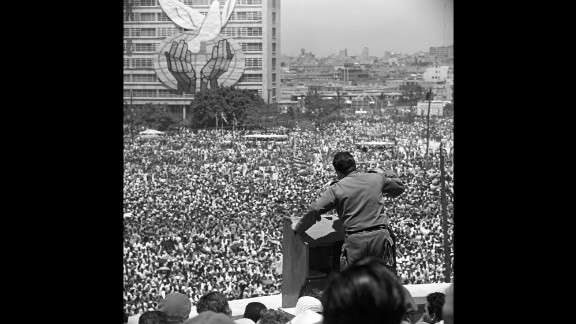 Castro addresses thousands of Cubans in Havana in 1968.