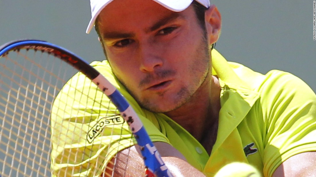 Instead her hitting partner was Frenchman Jonathan Dasnieres de Veigy, who reached a high of 146th in the rankings in 2013.