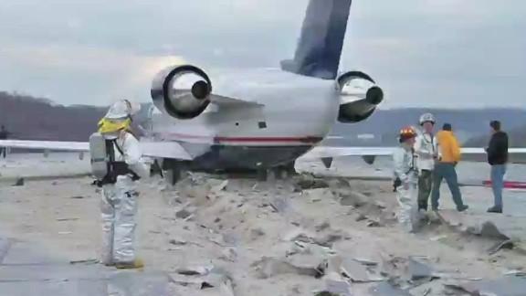 erin dnt simon airplane short runway dangers_00021315.jpg