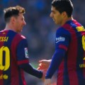 messi suarez shake hands
