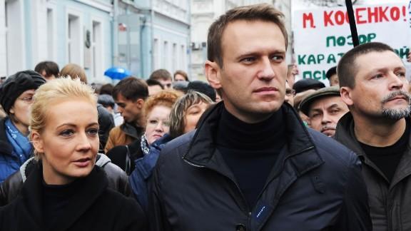 """El abogado anticorrupción Alexey Navalny calificó al partido de Putin como el de los """"ladrones"""", fue arretado en 2014 por acusaciones de fraude."""