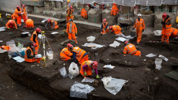 """Elsden said the excavation tells us a great deal about how Londoners lived from the 16th to the 18th century. """"A large sample of the population from that period will enable us to look at the lifestyle, looking at Roman London and what the Romans were doing in the suburb area, outside the city walls."""""""
