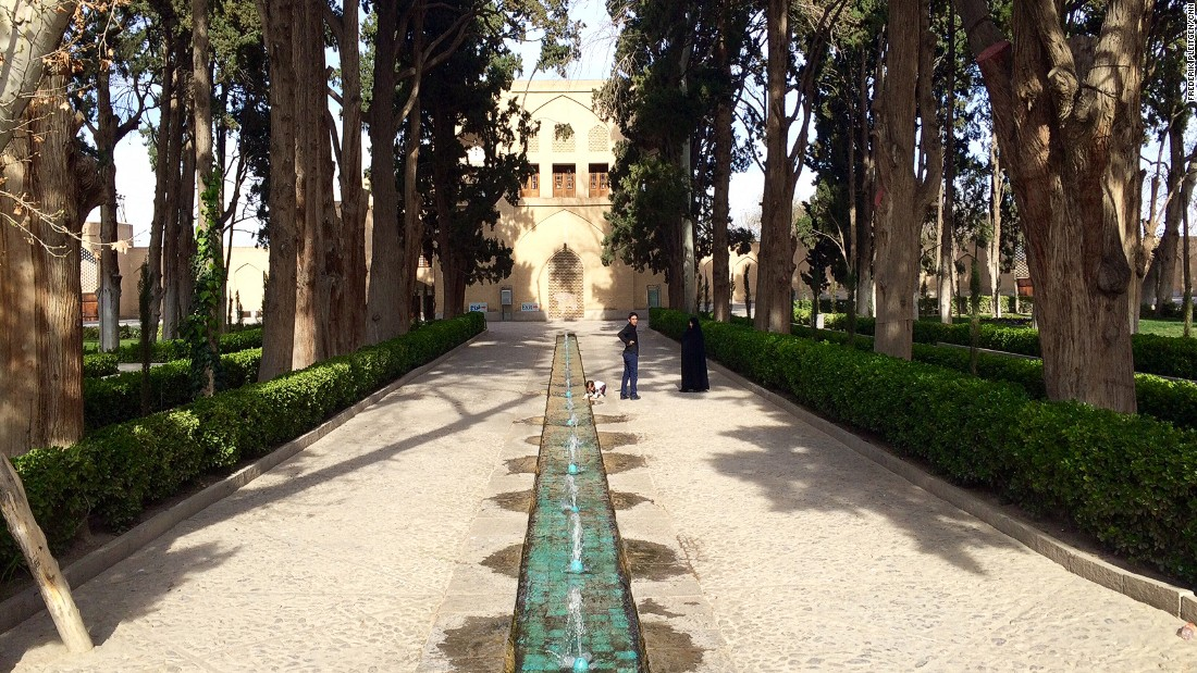 Kashan, down the road from Qom, is home to Fin Garden, where Persian kings used to come to relax.