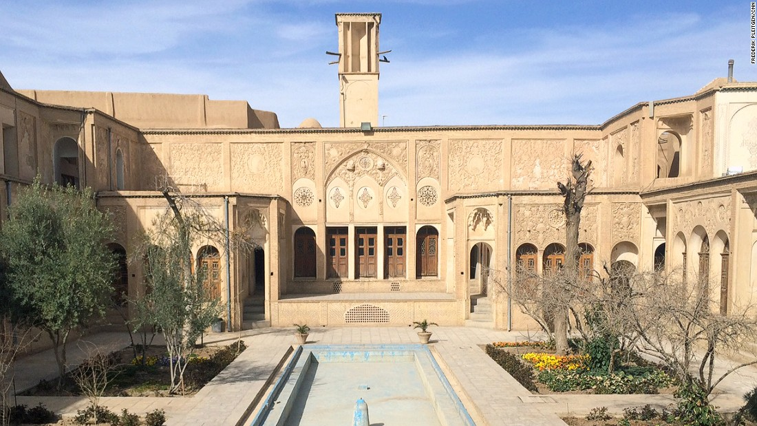 Borujerdi House, built in the 19th century for the wife of a rich merchant, is a symbol of Kashan's past wealth.