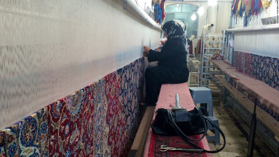 Kashan is also home to some of the most important carpet-weaving in Iran.