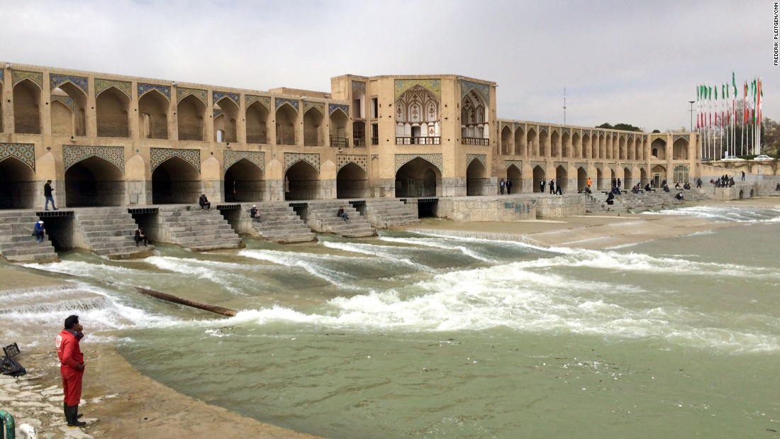 Khaju Bridge is one of many famous bridges that run over the Zayonde River in Esfahan.