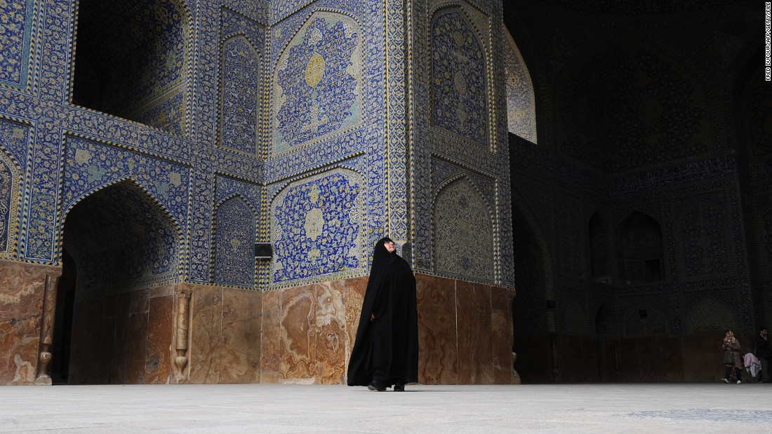 CNN's Fred Pleitgen made the journey south from Tehran to Esfahan, one of the cultural jewels of Iran.
