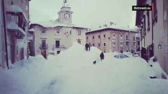 orig italy record snow fall mclaughlin_00004515.jpg