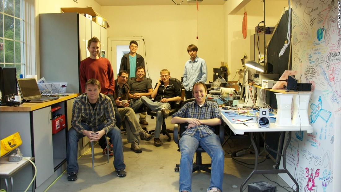 An image of the Planet Labs team in the Cupertino, CA, garage where they started out their business.