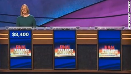 Only one person moved on to Jeopardy's final round after the two other contestants ended up with negative scores.