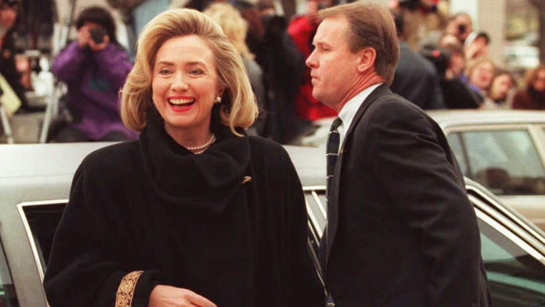 Hillary Clinton arrives to testify before a federal grand jury in connection with the failed Whitewater land deal in Washington, D.C., on January 26, 1996.