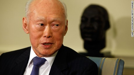WASHINGTON - OCTOBER 29: U.S. Minister Mentor Lee Kuan Yew of Singapore makes brief remarks after meeting with President Barack Obama in the Oval Office at the White House October 29, 2009 in Washington, DC. Obama will travel to Asia November 11 on a tour which includes the Asia Pacific Economic Cooperation (APEC) summit and a meeting with leaders of the Association of Southeast Asian Nations (ASEAN) in Singapore. Lee served as prime minister of Singapore between 1959 to 1990, and is regarded as an expert on Asian affairs and US relations with the region. (Photo by Chip Somodevilla/Getty Images)