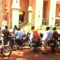 safeboda 4 - bodas waiting behind