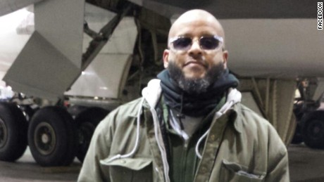 Tairod Nathan Webster Pugh, a convert to Islam, served in the Air Force from 1986 to 1990.