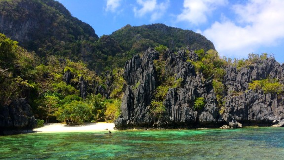 Jonathan Baker, 30, quit his job in aviation and logistics to travel the world. He took this shot of Paradise Beach near El Nido, Palawan. Palawan, the most southwestern large island of the Philippines, is surrounded by some 1,800 smaller islands and islets, including the lovely Bacuit Archipelago, where this shot was taken.