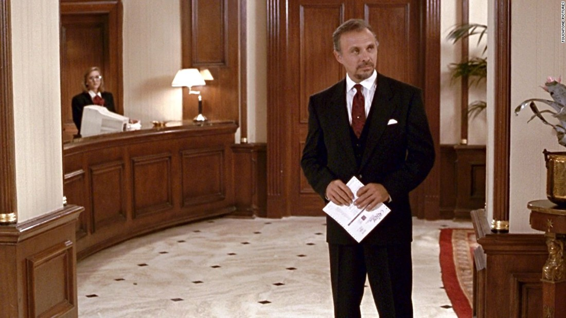 "Hector Elizondo plays hotel manager Barney Thompson, who first dislikes Roberts' character but eventually becomes a kind of father figure to her. Elizondo, a hard-working character actor, had been in numerous TV shows as well as such movies as 1974's ""The Taking of Pelham One Two Three,"" 1980's ""American Gigolo"" (with Gere) and a number of films by ""Woman"" director Garry Marshall."
